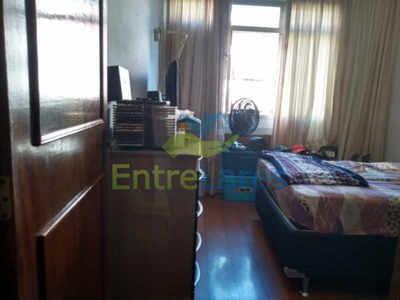 C2 - Apartamento no Jardim Guanabara - 3 quartos sendo 1 suíte e dois possuindo armários embutidos - 2 banheiros com box blindex - cozinha com armários - 3 vagas - Rua Cambaúba - ILAP30308 - 20