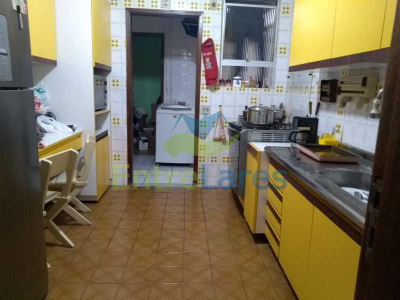 D3 - Apartamento no Jardim Guanabara - 3 quartos sendo 1 suíte e dois possuindo armários embutidos - 2 banheiros com box blindex - cozinha com armários - 3 vagas - Rua Cambaúba - ILAP30308 - 23