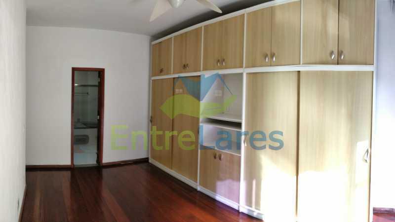 15_Suite - Jardim Guanabara sala com varanda, 3 quartos planejados sendo 1 suíte com hidromassagem com varanda com vista mar, cozinha ampla com armários. 2 vagas de garagem sendo 1 coberta. Rua Agostinho dos Santos. - ILAP30311 - 16