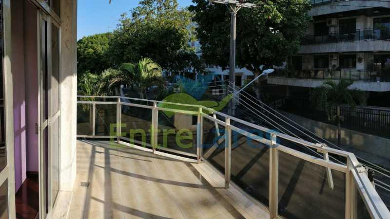 18_Suite_varanda - Jardim Guanabara sala com varanda, 3 quartos planejados sendo 1 suíte com hidromassagem com varanda com vista mar, cozinha ampla com armários. 2 vagas de garagem sendo 1 coberta. Rua Agostinho dos Santos. - ILAP30311 - 19