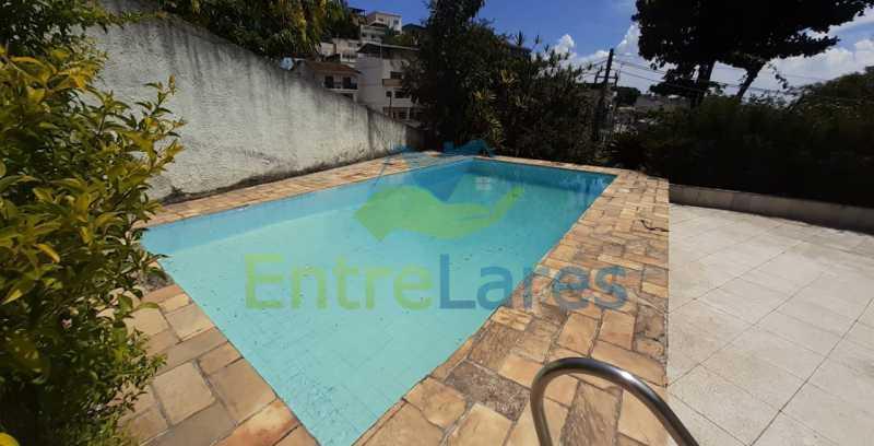 J1 - Tauá, excelente casa duplex com ampla área de lazer com piscina, 4 quartos sendo 2 suítes, varandão. Vasta área de terreno - Vaga para 4 carros. - ILCA40102 - 26