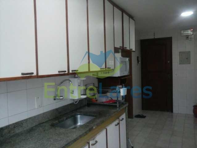 41 - Pitangueiras - Apartamento reformado com dois dormitórios, armários, varanda, dependências, garagem, elevador - ILAP20132 - 21