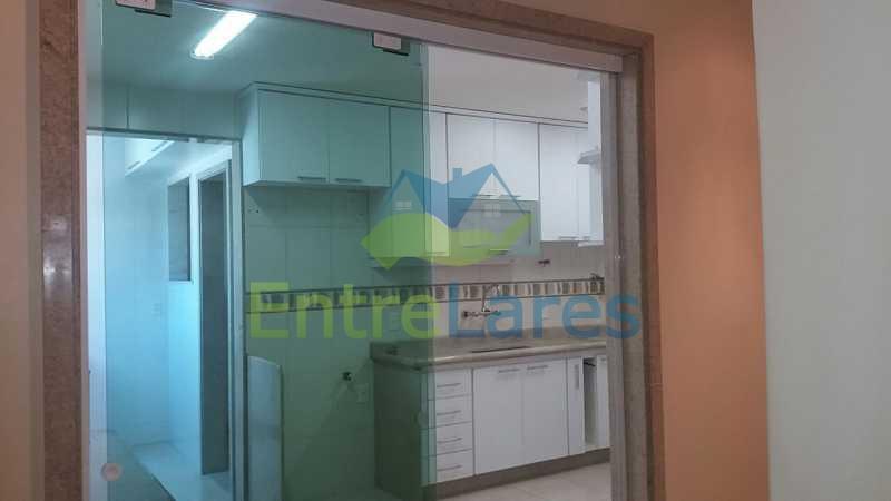 2 - Zumbi 2 quartos, sendo um suíte, dependências, garagem, elevador. Rua Formosa do Zumbi. - ILAP20145 - 25