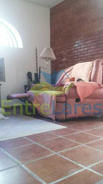 15 - Ribeira - Vista privilegiada.Casa com tres dormitórios, 1 suíte, piscina, churrasqueira, garagem - ILCA30057 - 15