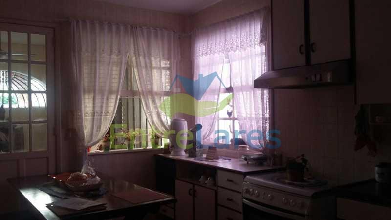 59 - Ribeira - Vista privilegiada.Casa com tres dormitórios, 1 suíte, piscina, churrasqueira, garagem - ILCA30057 - 25