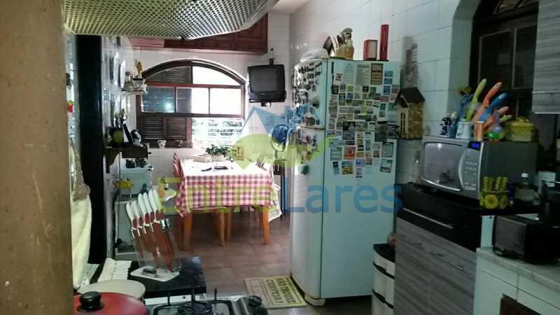 40 - Bancários - Casa c 4 quartos edícula com 2 quartos, varanda, dependências, jardins, 2 vagas - ILCA40035 - 20