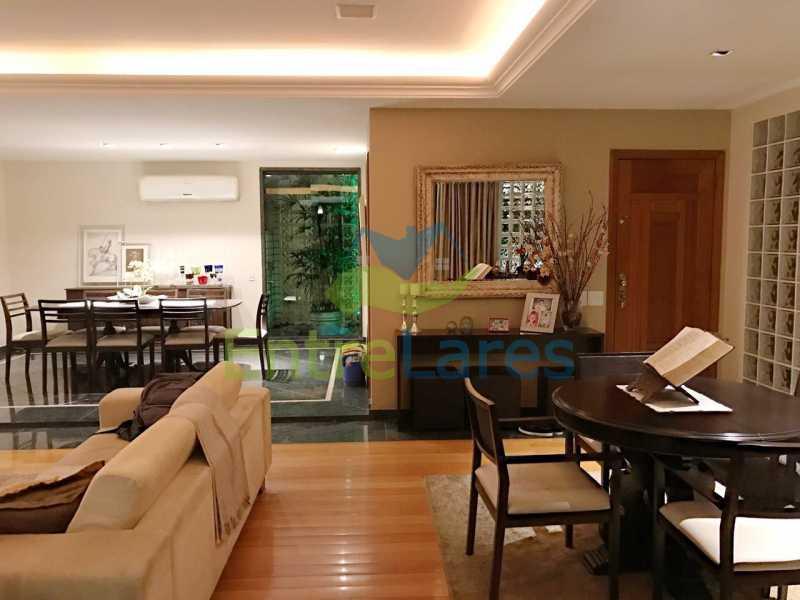 11 - Jardim Guanabara, cobertura, quatro quartos sendo dois suítes planejados e com hidromassagem, espaço goumert, quatro vagas de garagem. - ILCO40004 - 8
