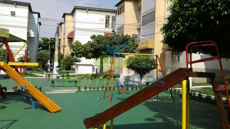 62 - Apartamento na Portuguesa, térreo, 2 quartos com 1 vaga de garagem. Rua Jorge Veiga - ILAP20304 - 9