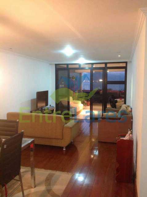 7 - Jardim Guanabara . 4 quartos sendo 2 suítes sendo 1 master com hidromassagem. 3 vagas na escritura. Rua Ipiru - ILAP40033 - 8