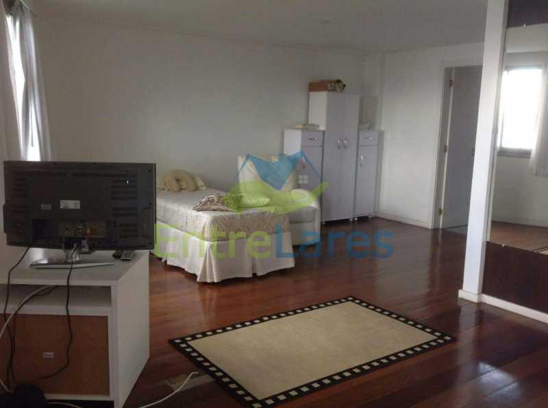 16 - Jardim Guanabara . 4 quartos sendo 2 suítes sendo 1 master com hidromassagem. 3 vagas na escritura. Rua Ipiru - ILAP40033 - 14