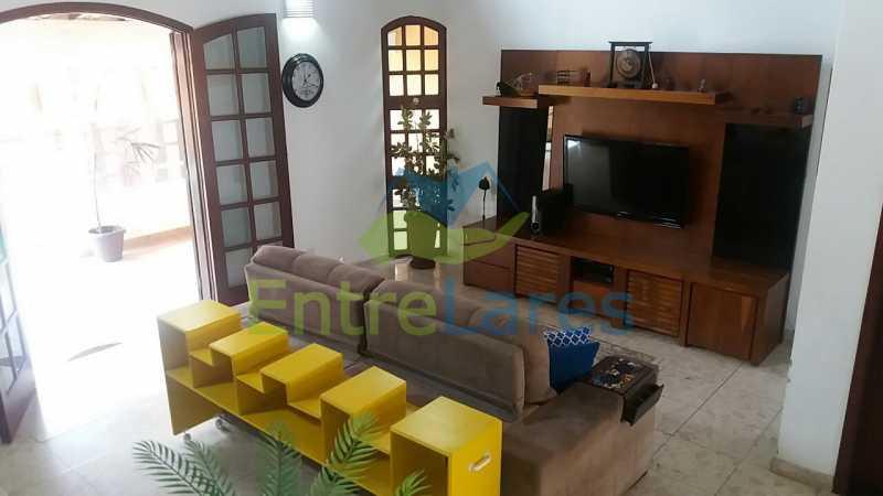 12b - Casa nas Pitangueiras - Estilo colonial - Vista Baía de Guanabara, 5 quartos, 2 vagas de garagem, sauna, piscina. Rua Pracinha José Varela - ILCA50031 - 11