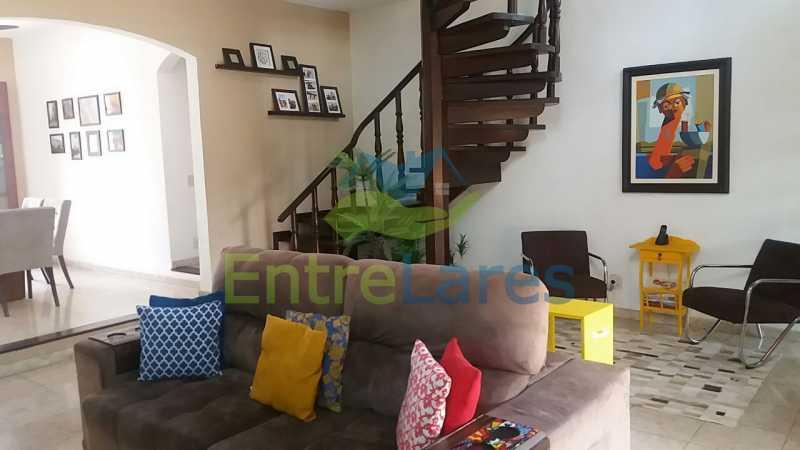 19 - Casa nas Pitangueiras - Estilo colonial - Vista Baía de Guanabara, 5 quartos, 2 vagas de garagem, sauna, piscina. Rua Pracinha José Varela - ILCA50031 - 13