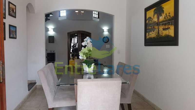 28 - Casa nas Pitangueiras - Estilo colonial - Vista Baía de Guanabara, 5 quartos, 2 vagas de garagem, sauna, piscina. Rua Pracinha José Varela - ILCA50031 - 14