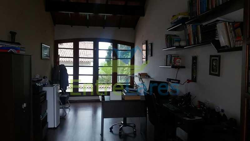 36 - Casa nas Pitangueiras - Estilo colonial - Vista Baía de Guanabara, 5 quartos, 2 vagas de garagem, sauna, piscina. Rua Pracinha José Varela - ILCA50031 - 20