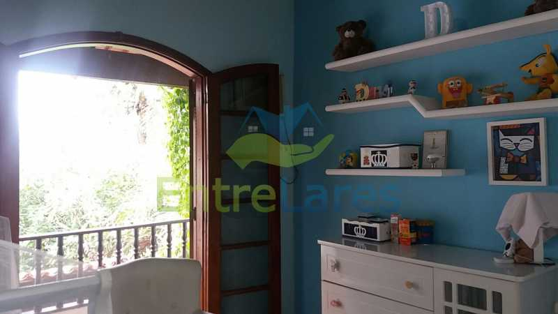 39 - Casa nas Pitangueiras - Estilo colonial - Vista Baía de Guanabara, 5 quartos, 2 vagas de garagem, sauna, piscina. Rua Pracinha José Varela - ILCA50031 - 23