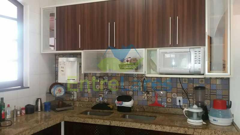 45 - Casa nas Pitangueiras - Estilo colonial - Vista Baía de Guanabara, 5 quartos, 2 vagas de garagem, sauna, piscina. Rua Pracinha José Varela - ILCA50031 - 27