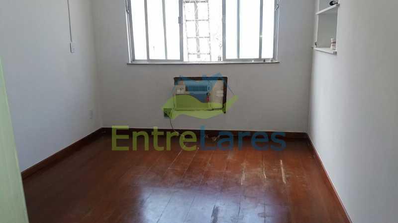 27 - Casa no Jardim Carioca, 6 quartos. 2 grandes casas estilo colonial. Total 6 quartos sendo 2 suítes, 2 vagas de garagem. - ILCA60012 - 26