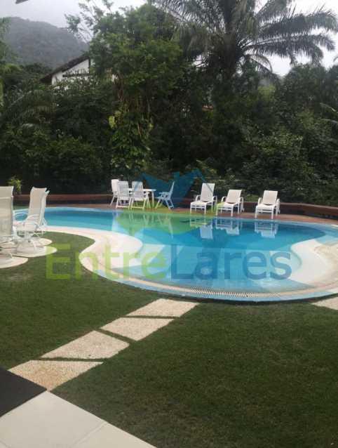 7 - Estrada da Barra da Tijuca - Condomínio Reserva Itanhangá. Mansão espetacular, Casa com 1.300 metros, 5 suítes com closet, 4 vagas de garagem, boate, piscina, sauna com hidromassagem, riacho. - ILCN50001 - 5