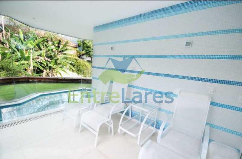 9 - Estrada da Barra da Tijuca - Condomínio Reserva Itanhangá. Mansão espetacular, Casa com 1.300 metros, 5 suítes com closet, 4 vagas de garagem, boate, piscina, sauna com hidromassagem, riacho. - ILCN50001 - 7