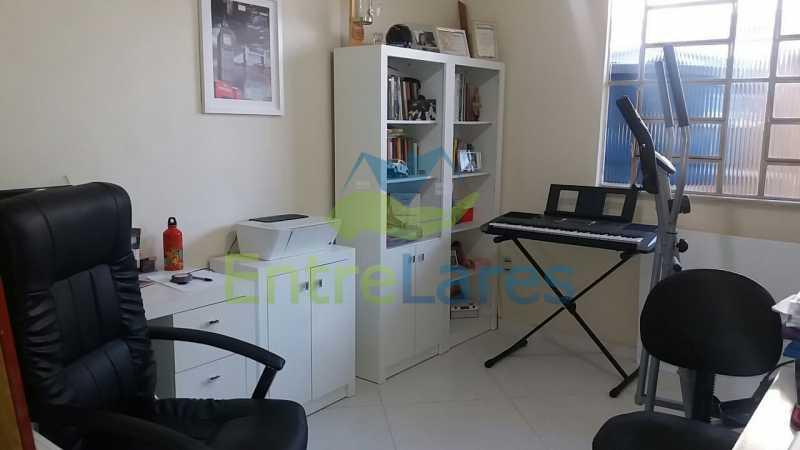 15 - Casas na Portuguesa, 4 quartos sendo 1 suíte, 1 vaga de garagem. Rua Amanda Guimarães. - ILCA40066 - 11
