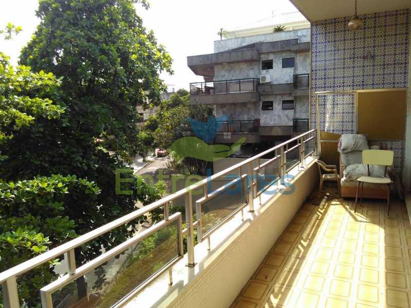 4 - Apartamento no Jardim Guanabara, 3 quartos sendo 1 suíte, precisando modernizar, 2 vagas de garagem. Rua Aylton Vasconcellos. - ILAP30195 - 1