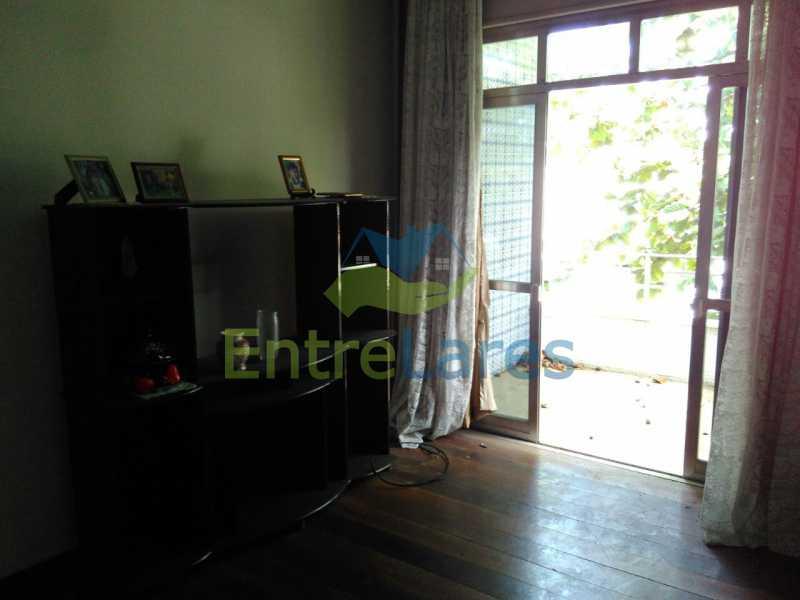 6 - Apartamento no Jardim Guanabara, 3 quartos sendo 1 suíte, precisando modernizar, 2 vagas de garagem. Rua Aylton Vasconcellos. - ILAP30195 - 4