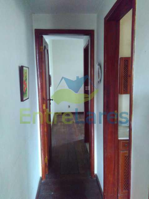 12 - Apartamento no Jardim Guanabara, 3 quartos sendo 1 suíte, precisando modernizar, 2 vagas de garagem. Rua Aylton Vasconcellos. - ILAP30195 - 7