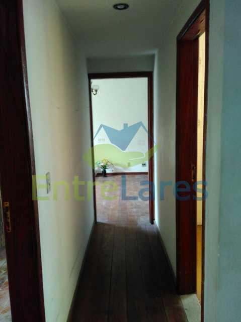 13 - Apartamento no Jardim Guanabara, 3 quartos sendo 1 suíte, precisando modernizar, 2 vagas de garagem. Rua Aylton Vasconcellos. - ILAP30195 - 8