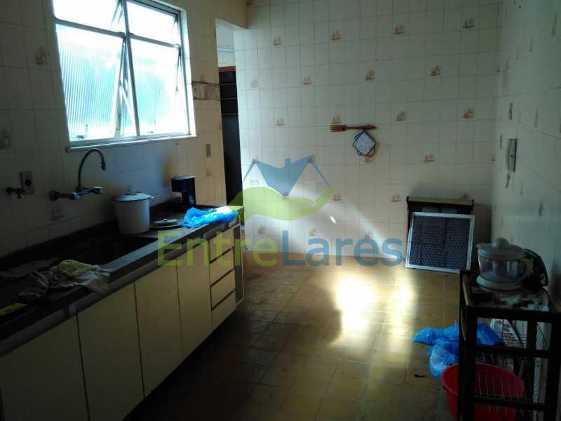 51 - Apartamento no Jardim Guanabara, 3 quartos sendo 1 suíte, precisando modernizar, 2 vagas de garagem. Rua Aylton Vasconcellos. - ILAP30195 - 14
