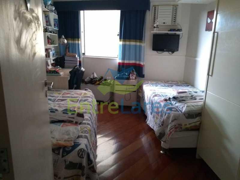 28 - Apartamento no Jardim Guanabara 3 quartos sendo 1 suíte com hidromassagem, 2 varandas, 2 vagas de garagem. Excelente imóvel na Rua Quirino dos Santos. - ILAP30204 - 24