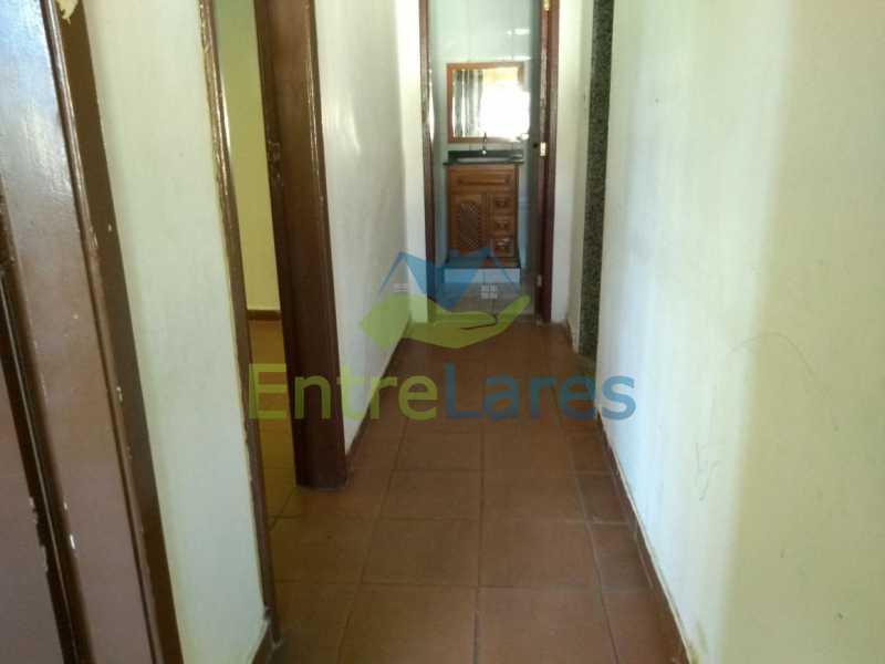 12 - Casa no Cacuia 3 quartos sendo 1 suíte, varandão, canil, 2 vagas de garagem. - ILCA30101 - 9