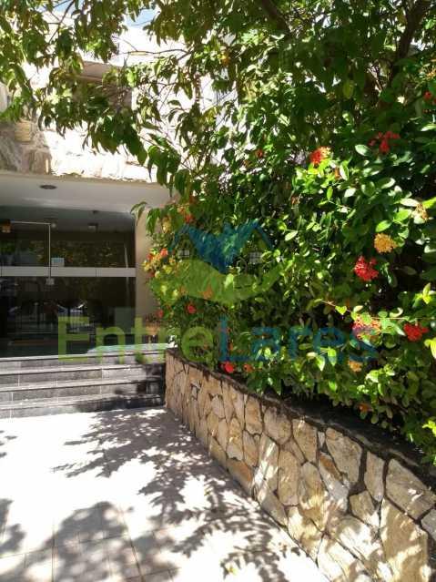 3 - Apartamento no Moneró 2 quartos, varandão, dependência completa, 1 vaga de garagem. Estrada do Dendê - ILAP20342 - 1