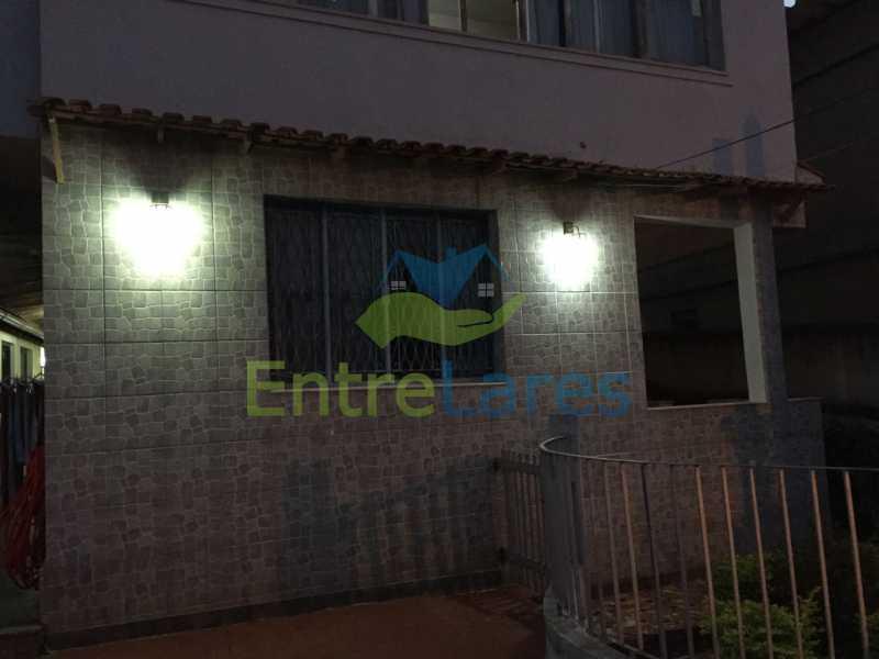 3 - Casa no Bancários, 2 quartos sendo 1 suíte, varandão, churrasqueira, 1 vaga de garagem. Rua Doutor Manuel Marreiros. - ILCA20057 - 1