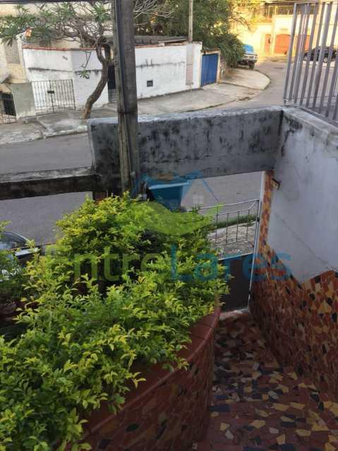 6 - Casa no Bancários, 2 quartos sendo 1 suíte, varandão, churrasqueira, 1 vaga de garagem. Rua Doutor Manuel Marreiros. - ILCA20057 - 6