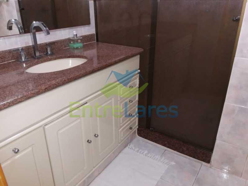 29 - Apartamento no Moneró 3 quartos sendo 1 suíte, varandão, dependência completa, 1 vaga de garagem. - ILAP30216 - 17