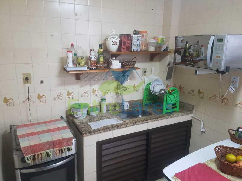15. - Apartamento na Ribeira 2 quartos, varanda, dependência, 1 vaga de garagem. Rua Maldonado - ILAP20350 - 17