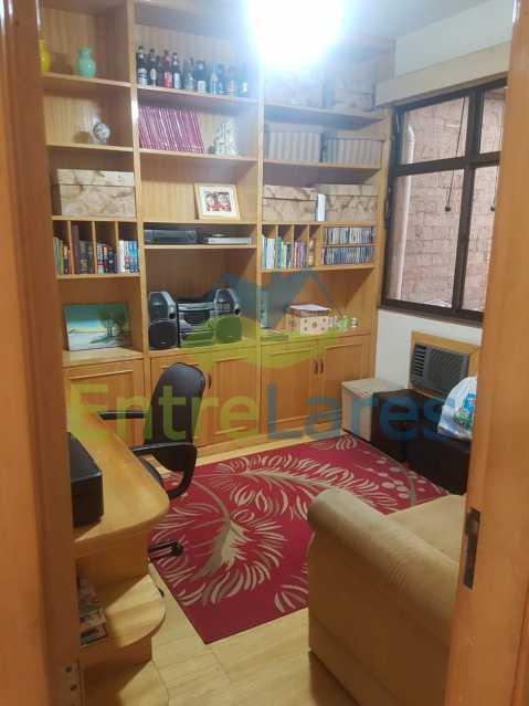 17. - Apartamento na Ribeira 3 quartos planejados sendo 1 suíte, copa cozinha planejada, dependência completa. 2 vagas de garagem. Rua Paramopama - ILAP30222 - 17