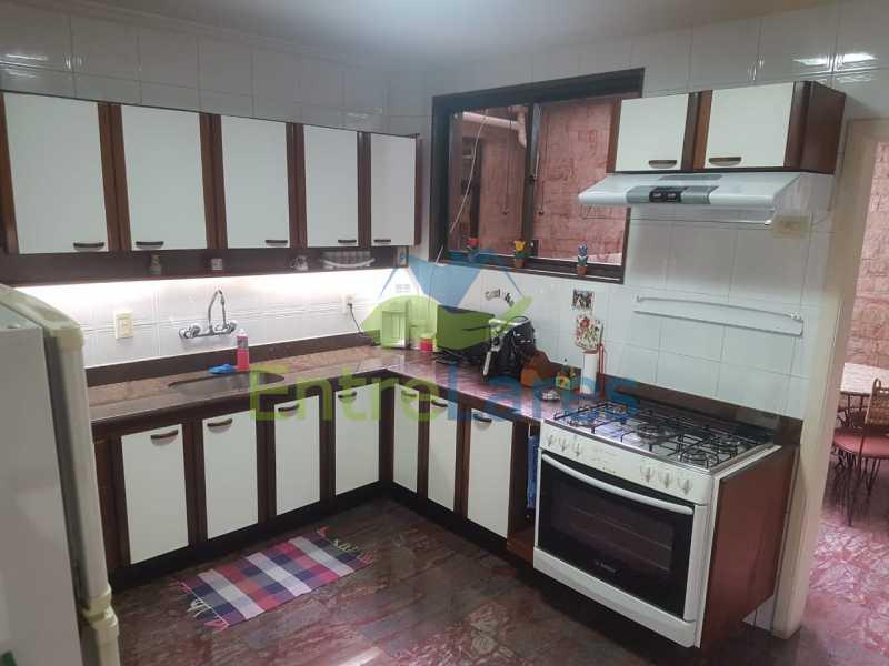 23. - Apartamento na Ribeira 3 quartos planejados sendo 1 suíte, copa cozinha planejada, dependência completa. 2 vagas de garagem. Rua Paramopama - ILAP30222 - 23