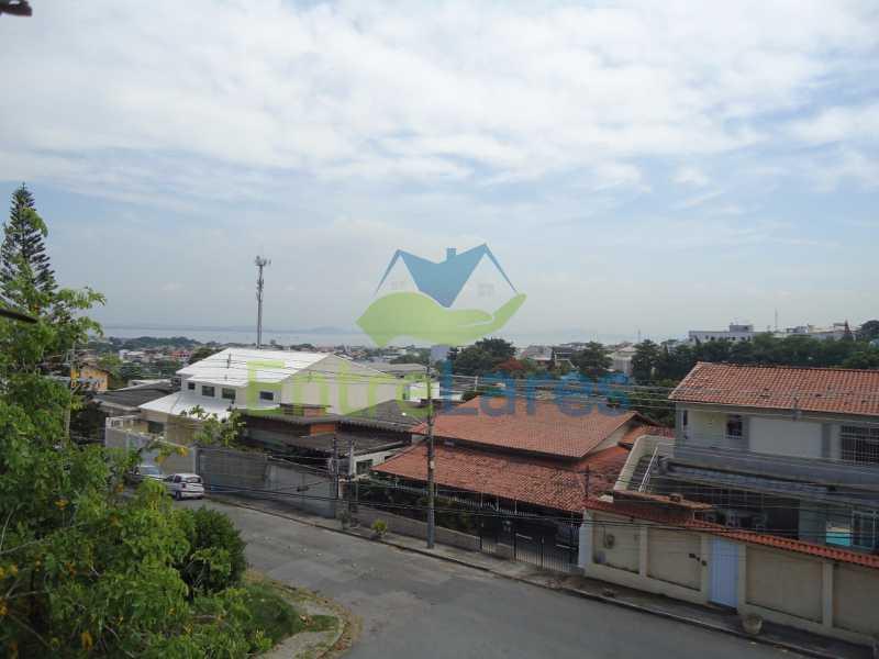 60 - Apartamento no Jardim Guanabara 3 quartos sendo 2 planejados e uma suíte com acesso a varanda, varanda com acesso a sala, copa - cozinha planejada, dependência completa, 3 vagas de garagem. Rua Gregório de Castro Morais. - ILAP30223 - 25