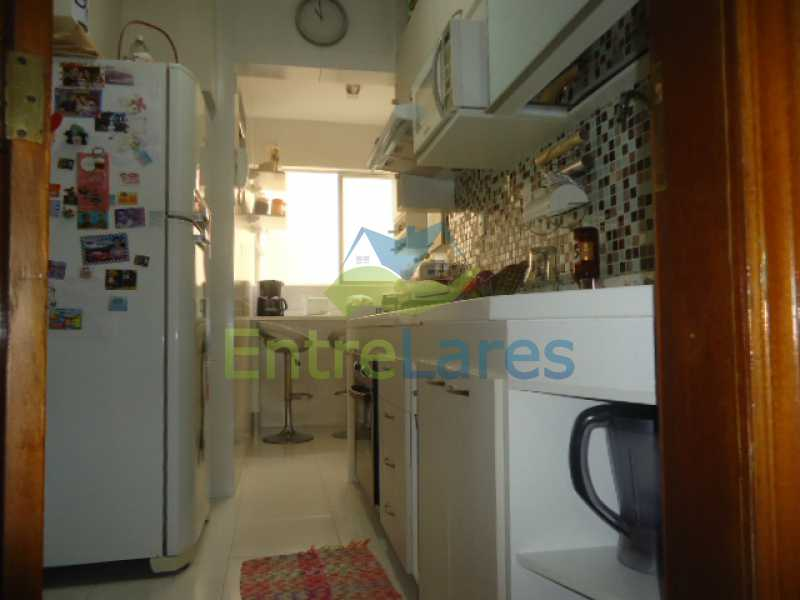 10 - Apartamento na Ribeira 2 quartos planejados, área de serviço, dependência revertida em escritório. Uma vaga de garagem. Rua Serrão. - ILAP20358 - 11