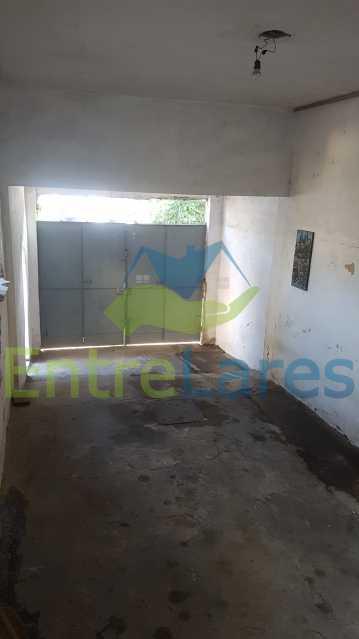 27 - Casa linear no Bancários 3 quartos sendo 1 suíte, dependência, canil, quintal, 2 vagas de garagem. Avenida das Enxadas. - ILCA30106 - 28