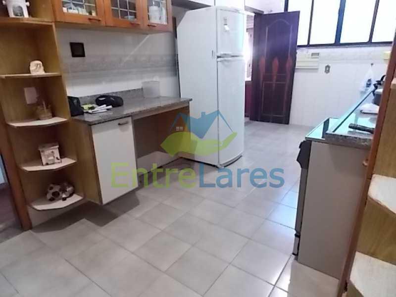 IMG-20180724-WA0072 - Cobertura na Portuguesa 3 quartos sendo 1 suíte com banheira, cozinha planejada, 2 vagas de garagem. Rua Haroldo Lobo. - ILCO30005 - 14