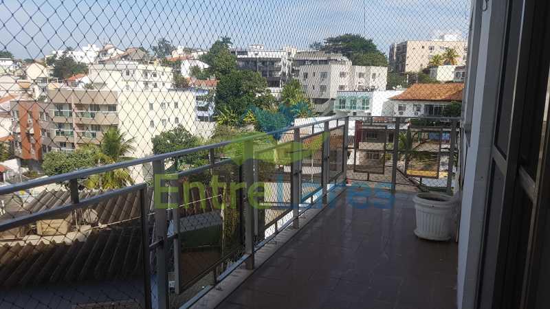01 - Apartamento no Jardim Guanabara 2 quartos sendo 1 suíte, varandão, dependência completa, 1 vaga de garagem. Rua Carmem Miranda. - ILAP20363 - 1