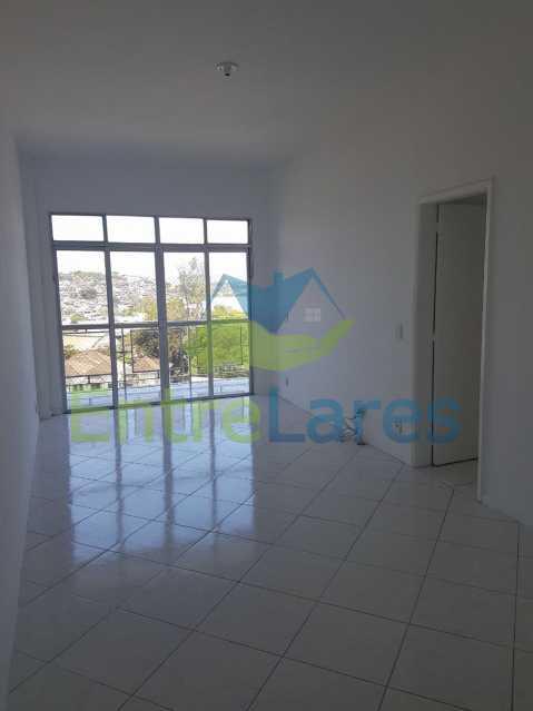03. - Apartamento no Jardim Guanabara 2 quartos sendo 1 suíte, varandão, dependência completa, 1 vaga de garagem. Rua Carmem Miranda. - ILAP20363 - 4