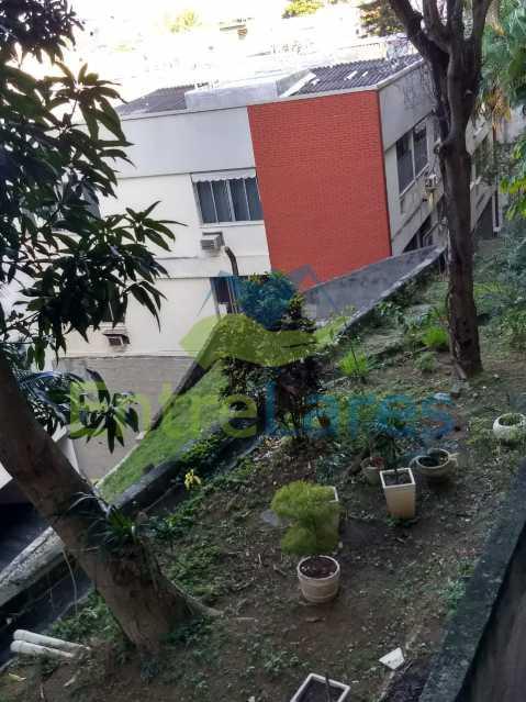 76 - Apartamento no Jardim Guanabara 3 quartos planejados sendo 1 suíte,copa cozinha planejadas, dependência de empregada revertida em escritório, 2 vagas de garagem. Rua Solano da Cunha. - ILAP30228 - 25