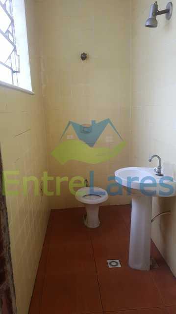 09 - Casa triplex no Jardim Guanabara 7 quartos sendo 1 suíte, varandão, copa cozinha planejada, piscina, terraço, 2 vagas de garagem. Aceita permuta. - ILCA70003 - 11
