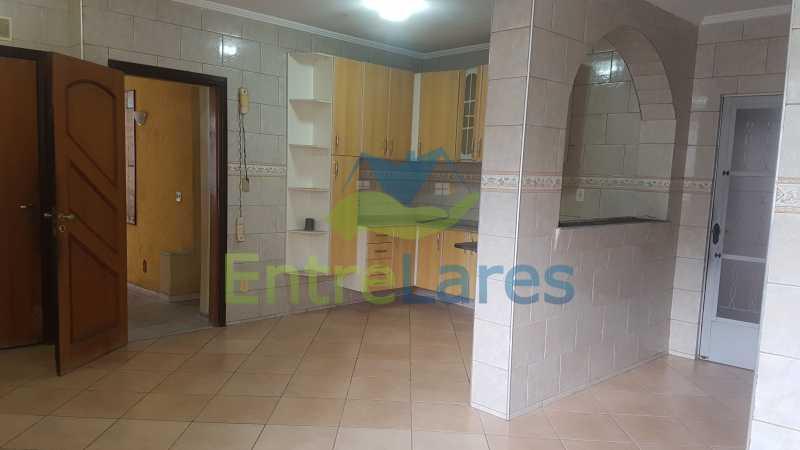 12 - Casa triplex no Jardim Guanabara 7 quartos sendo 1 suíte, varandão, copa cozinha planejada, piscina, terraço, 2 vagas de garagem. Aceita permuta. - ILCA70003 - 14