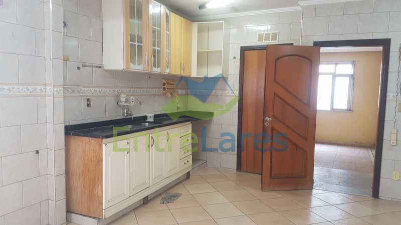 13 - Casa triplex no Jardim Guanabara 7 quartos sendo 1 suíte, varandão, copa cozinha planejada, piscina, terraço, 2 vagas de garagem. Aceita permuta. - ILCA70003 - 15