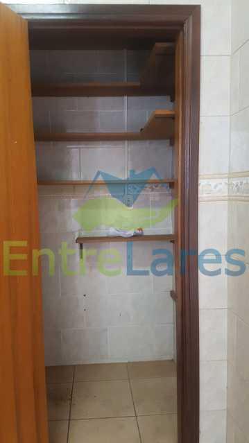14 - Casa triplex no Jardim Guanabara 7 quartos sendo 1 suíte, varandão, copa cozinha planejada, piscina, terraço, 2 vagas de garagem. Aceita permuta. - ILCA70003 - 16
