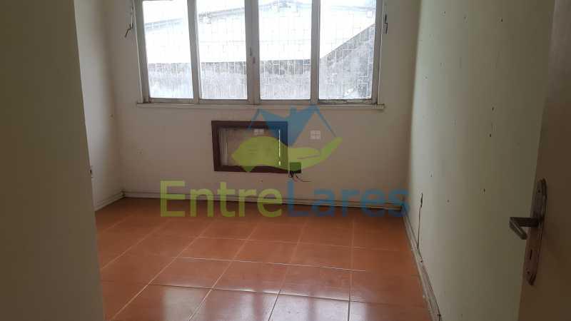 15 - Casa triplex no Jardim Guanabara 7 quartos sendo 1 suíte, varandão, copa cozinha planejada, piscina, terraço, 2 vagas de garagem. Aceita permuta. - ILCA70003 - 17